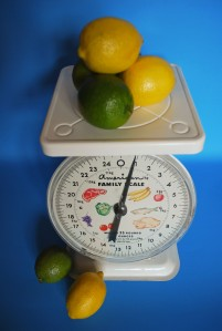 vtg kitchen scale